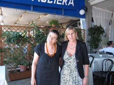 Elvira Chiosi e Claudia Core
