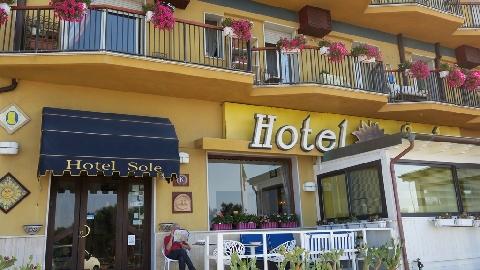 Hotel Sole, Gelavista dal balcone