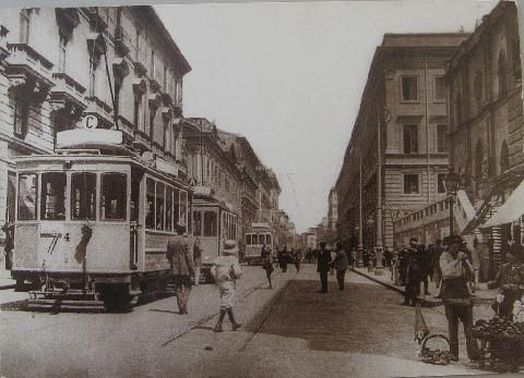 Via Roma a inizio '900